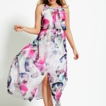 We always should have a dress for that special occasion either for a wedding or a family celebration. This Grace Hill Woman Print Maxi is designed for that. Style 145221