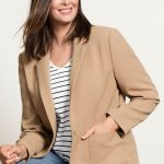 Wear this jacket with a t-shirt, jeans and boots for a put together weekend look or pair it with trousers, a shirt and heels for the office. Sara Tailored Blazer Style Number: 152247