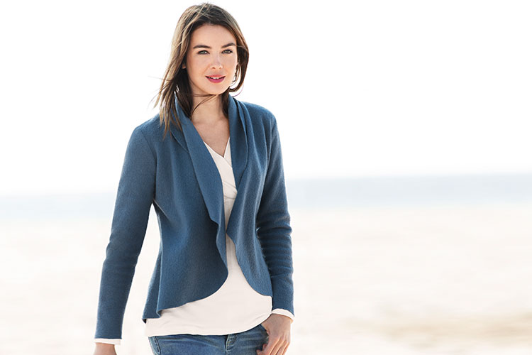 A light layering piece that provides exceptional warmth, this Capture Boiled Wool Jacket comes in black, blue and pink.